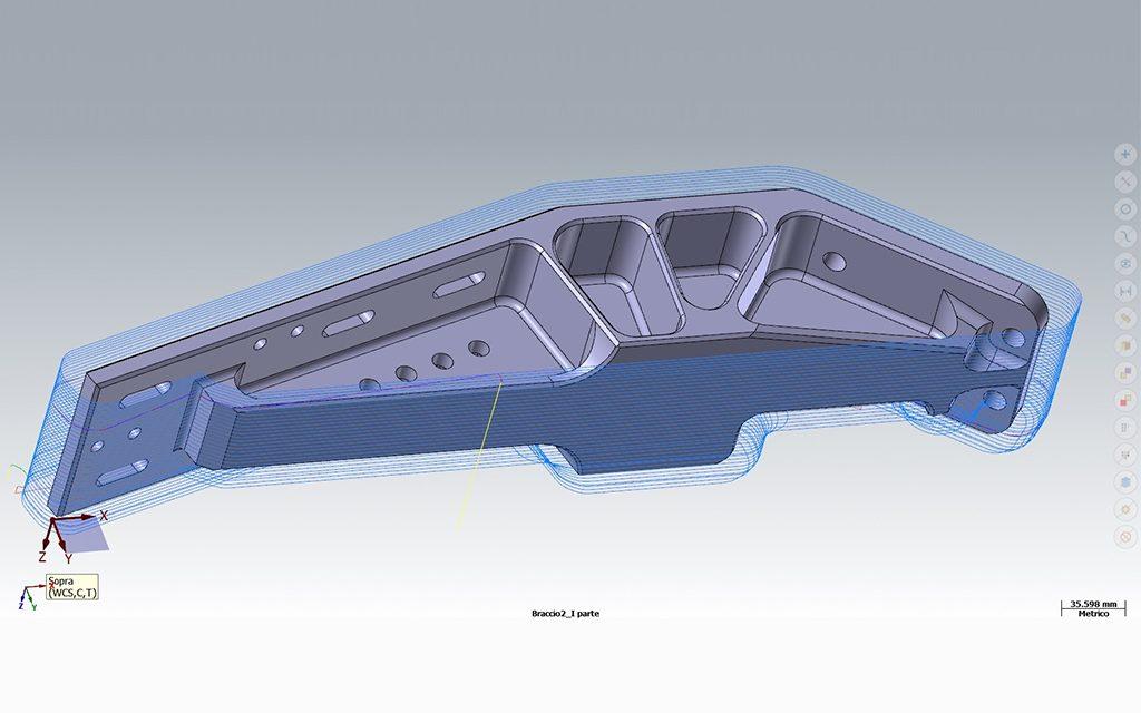 Postazione CAD/CAM attrezzata con software di progettazione
